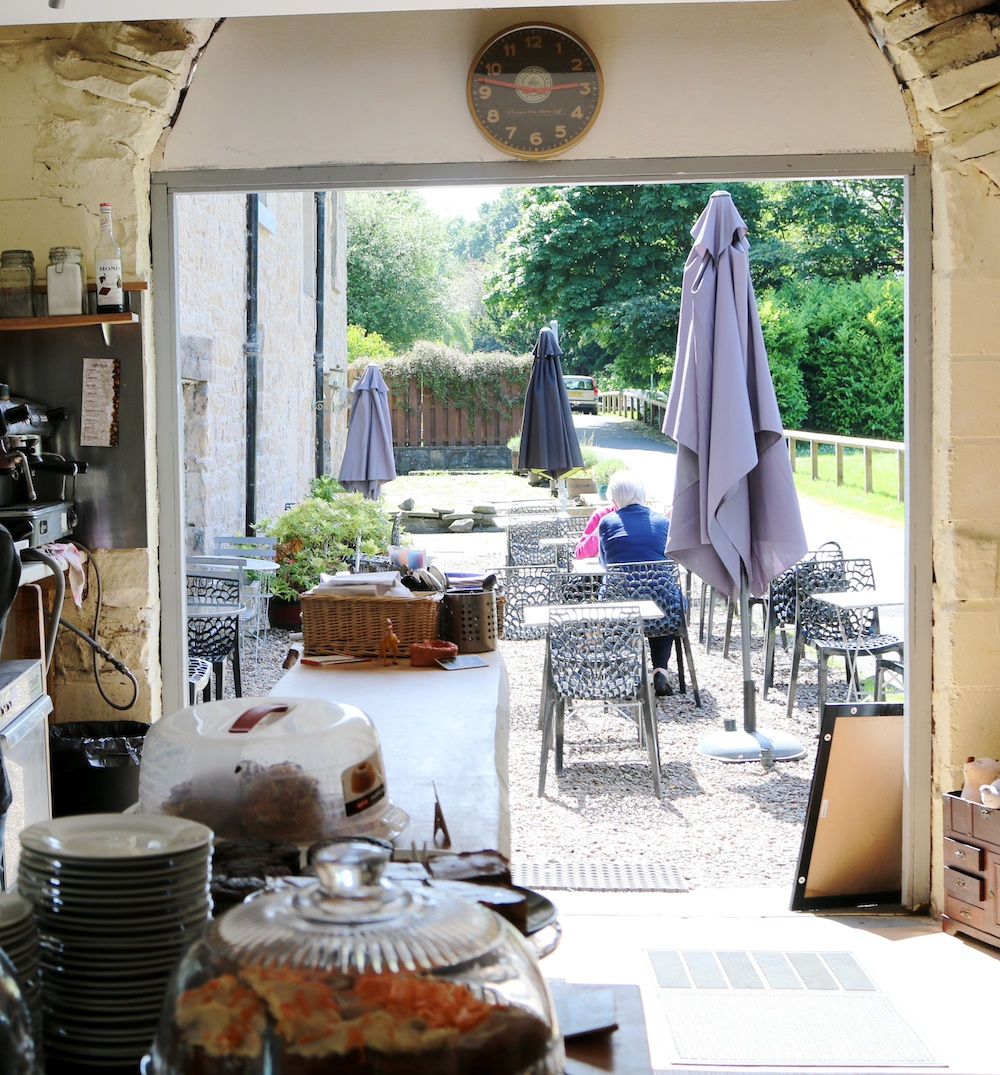 Cafes near Edinburgh and Fife with outdoor seating