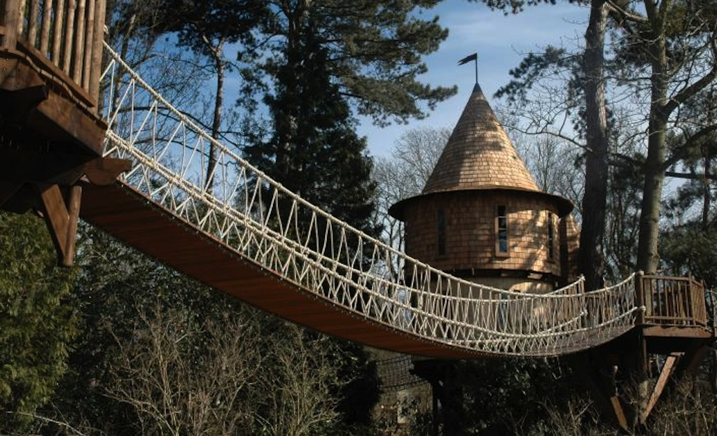 BlueForest_TreeHouse_Living_the_highlife_5_gallery-image
