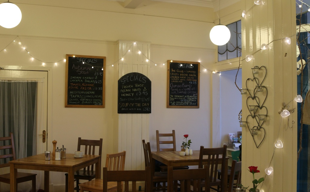 Potter_About_Cafe_and_Ceramics_Burntisland_Fife7
