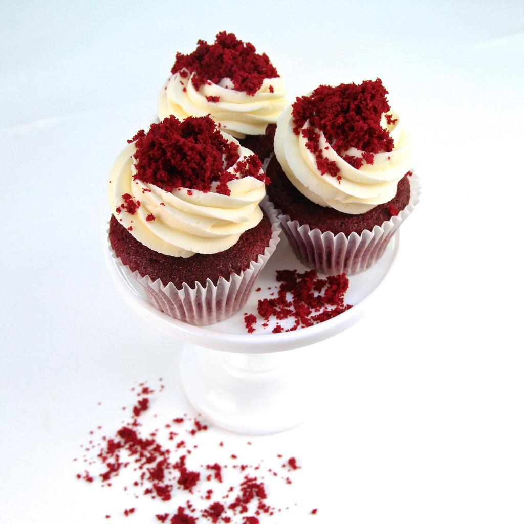 Red_Velvet_Cupcakes_4_1024x1024