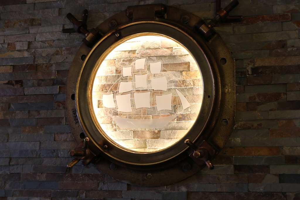 Portholes_The_Ship_Inn_Limekilns_Fife