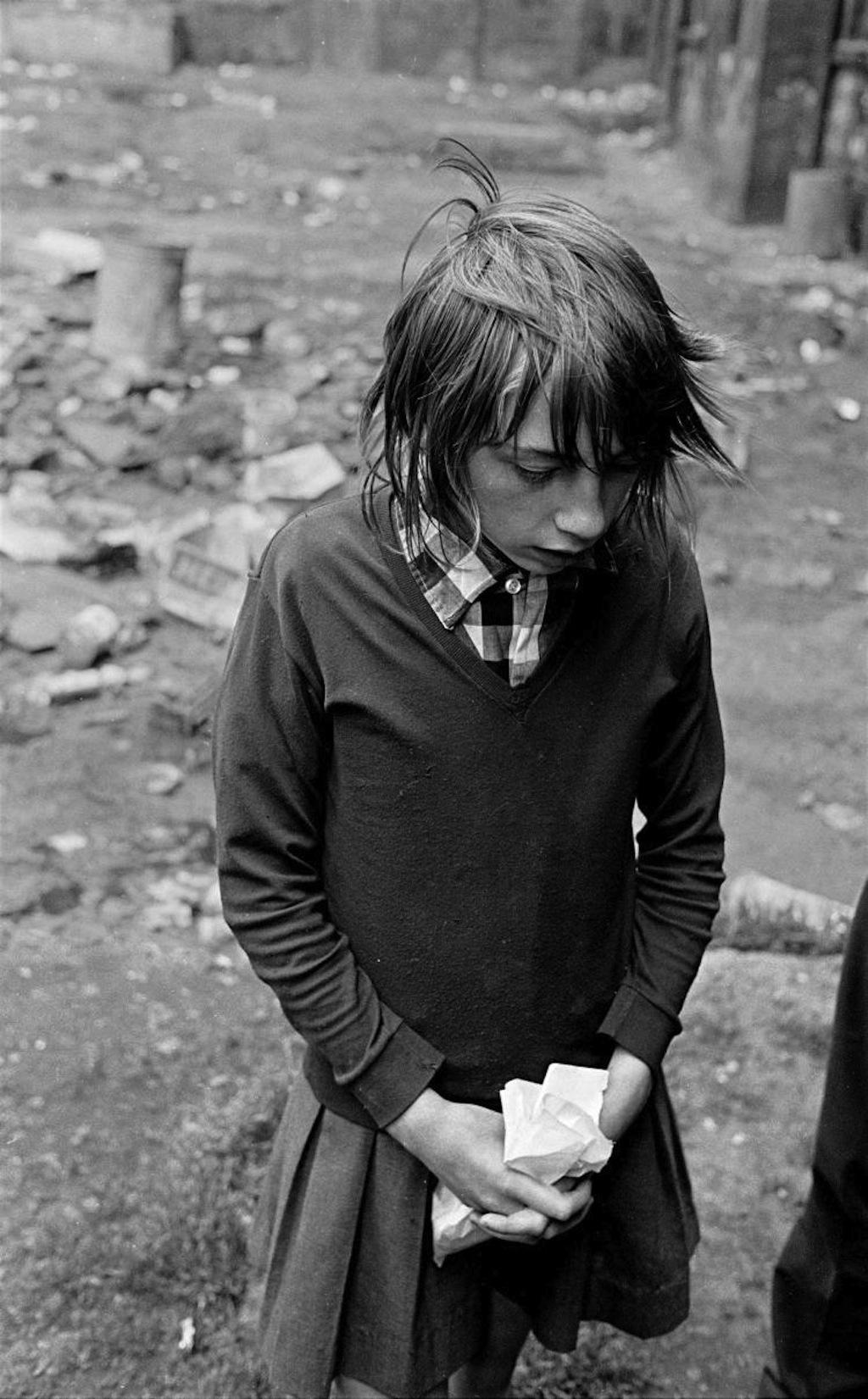 School-girl-in-a-Glasgow-tenement-courtyard-1971