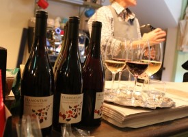 Corbie & Cheip; wine bar in Auchterader