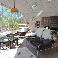 Ecopod to rent with beautiful views of Loch Linhe & Castle Stalker, Argyll