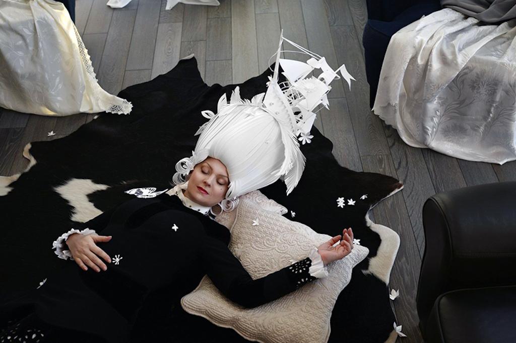 baroque-paper-wigs-mongolian-costumes-asya-kozina-designboom-05
