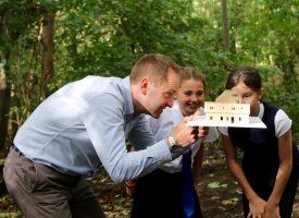 School pupils design their own outdoor classroom