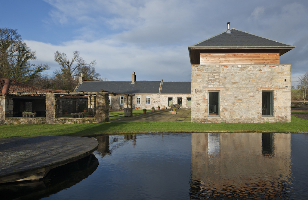 windmill_barn_wedding_venue_exterior_fife