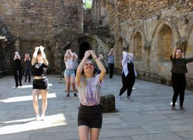 Watch live theatre performed in Dunfermline's Royal Palace Ruins and Abbey